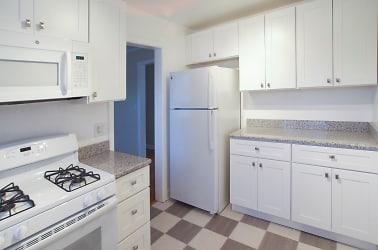 Braeside - kitchen.jpg