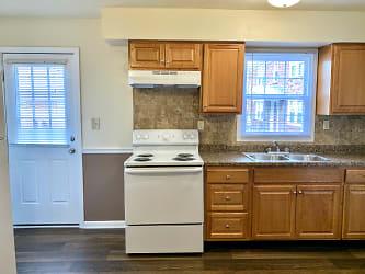 VP 2th kitchen.jpg
