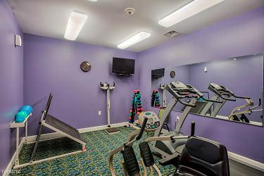 Fitness-Center_Lockwood-of-Clinton_24500-Metropolitan-Pkwy-Clinton-MI_RPI_II-402077_16
