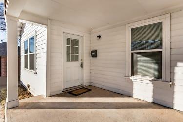 02 Exterior Entry.jpg