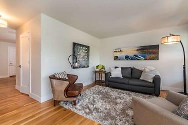 2241 Bluff St Boulder CO 80304-small-012-016-Living Room-666x445-72dpi.jpg