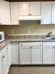 IMG_kitchen.jpg