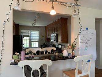 living & kitchen 2020.5.JPG