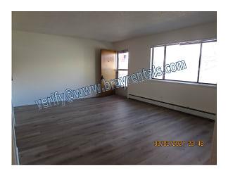 414 W 1st St B 3-livingroom.jpg