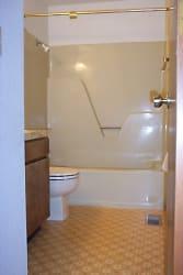 1704 Alder bath big Caldwell  010.jpg