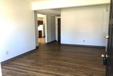 new liv room .jpg