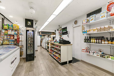 PAVILLION DELI Foodshop 1.jpg