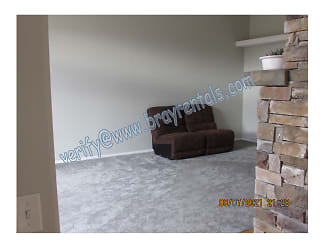 2045 F 3.25 Rd 8-living area.jpg