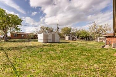 14 Backyard.jpg