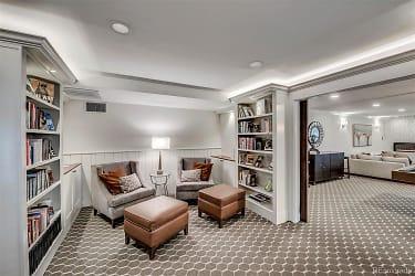 130 pearl-librairy room.jpeg