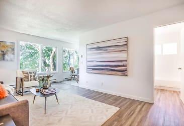Hudson Living Room.JPG