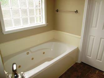 Pearl - Bathtub.jpg