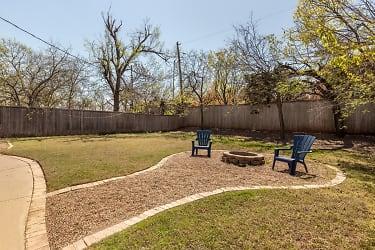 17 Backyard.jpg