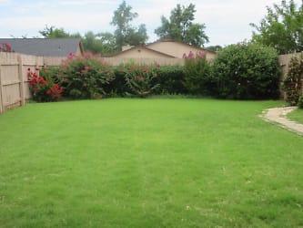 18 Backyard.jpg