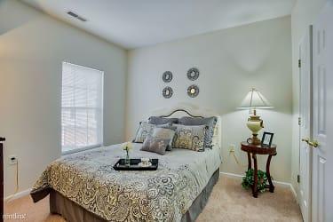 Bedroom_Lockwood-of-Clinton_24500-Metropolitan-Pkwy-Clinton-MI_RPI_II-402077_24 - Copy