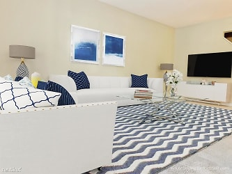 FPT Living Room (2)