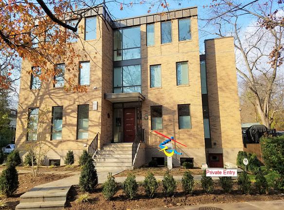 201121_Front facade.jpg