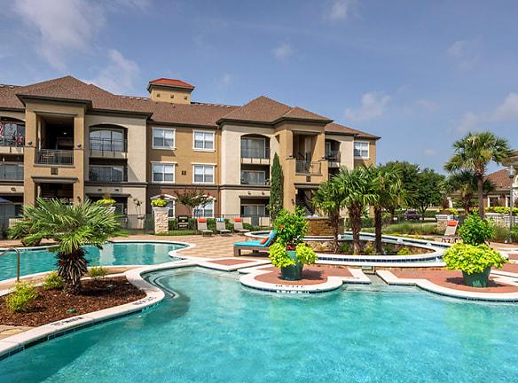 Watermark Apartments Roanoke, TX - Apartments For Rent ...