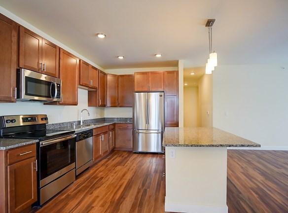 3. 1270 Stonewood Xing apt 2205-Kitchen4.jpg