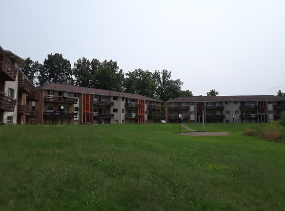 Camelot Apartments Columbiana, OH - Apartments For Rent ...