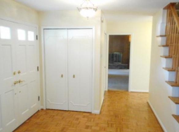 Foyer .jpg