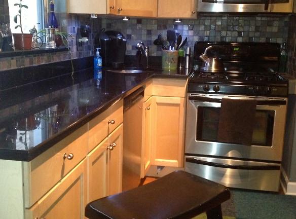 4.kitchen 2.jpg