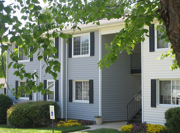 Apartments and Townhouses Available