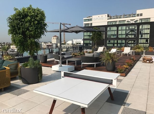 Cosmo rooftop 2