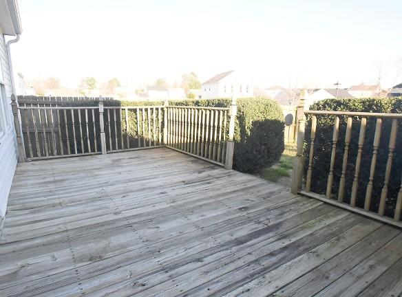 m deck.jpg