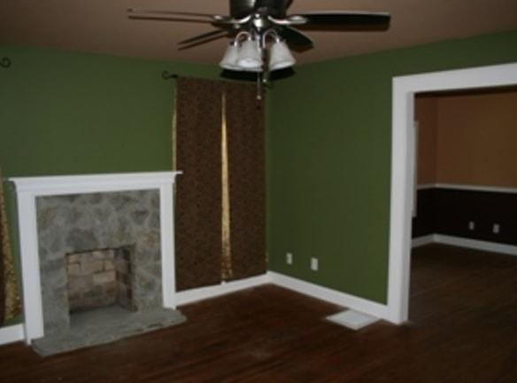 4734 Doris Lane Living Room 1.jpg