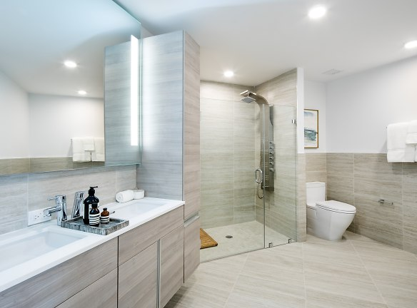 1BR A Bathroom