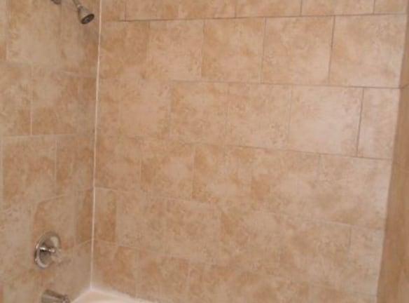 4 W Canterbury Ct Apartments For Rent - Ottawa, KS ...