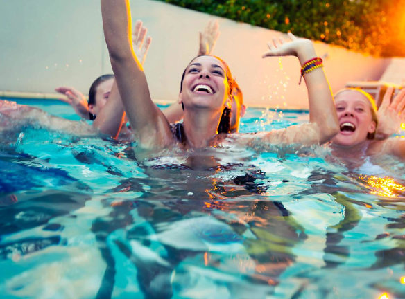 ENJOY THE POOL WITH YOUR FRIENDS.