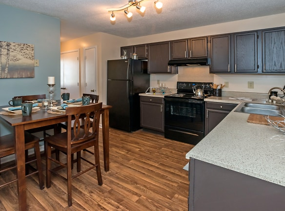 Renovated style - Enjoy cooking in this large, eat-in kitchen.