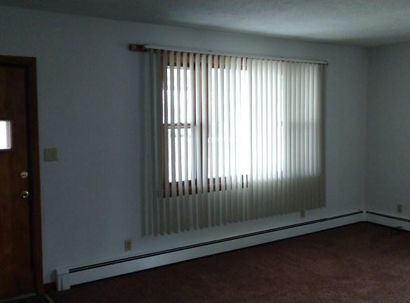 2418 N East Street-2nd photo - Living Room.jpg