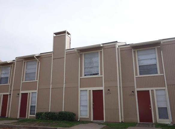 Riverglenn Townhomes Apartments Tulsa, OK - Apartments For ...