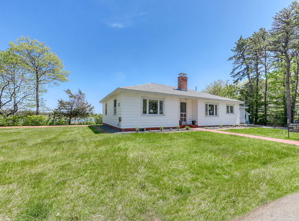 22 Thither St Ogunquit, ME 03907 - Home For Rent | Rentals.com