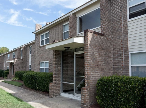 Welcome Home to Cedar Creek Apartments in Portsmouth, VA!
