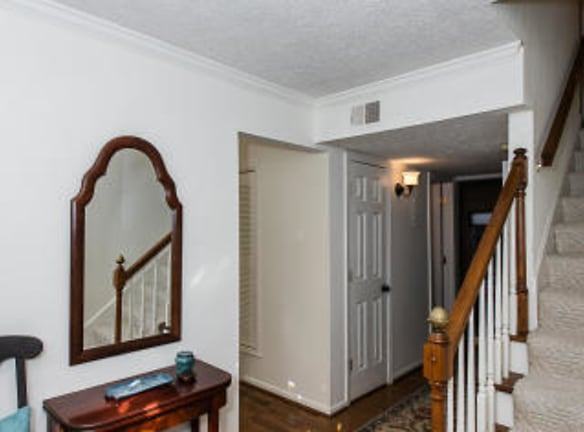 Foyer - V1.jpg