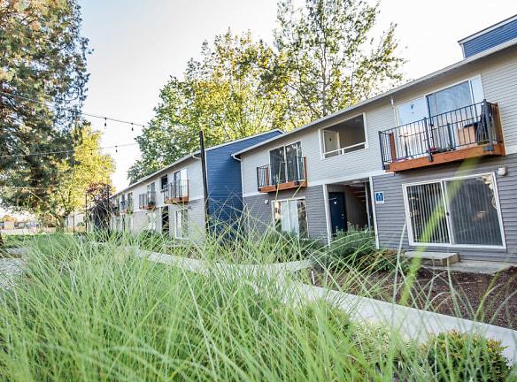 Kent Apartments - Driftwood Apartments - Exteriors