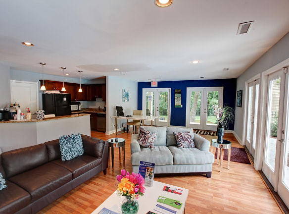 Welcome to Wendover Walk Apartments!