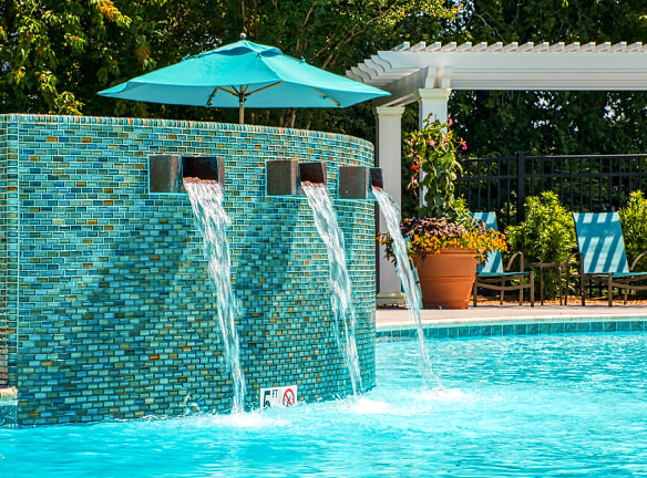 Escape summer heat in the refreshing North Shore Gardens pool!