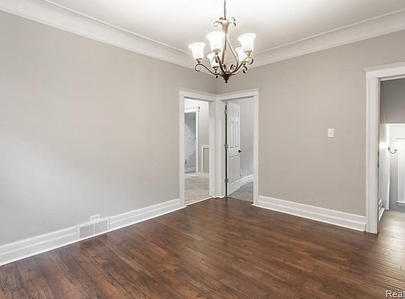 a-566 Hague picture dining room 5.jpg