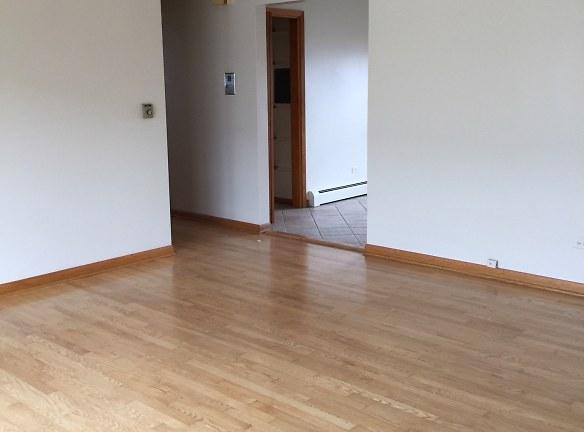 Lilving Room 1.jpg