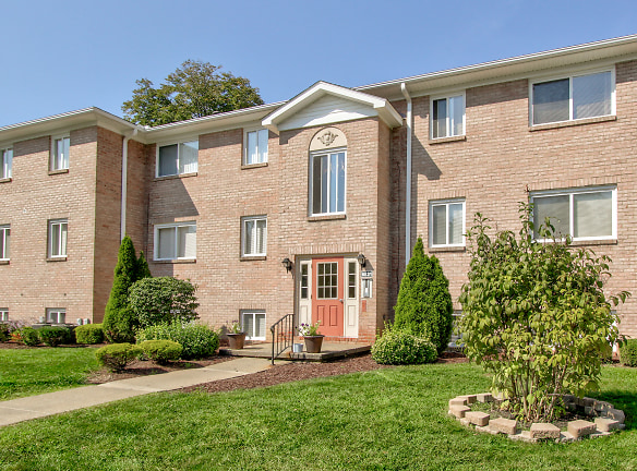 Mill Creek Village Apartments For Rent - Youngstown, OH ...
