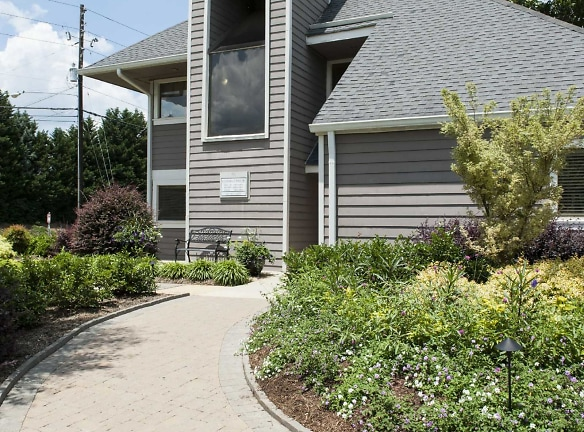 Gorgeous landscaping and abundant amenities are what you can look forward to at Sterling Forest Apartments