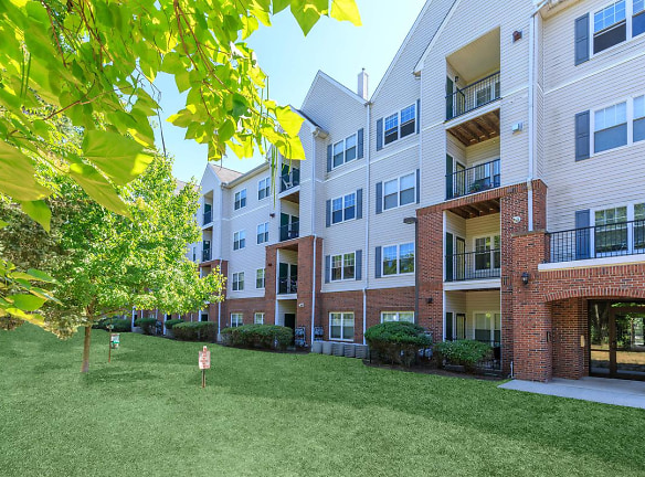 The Apartments At Aberdeen Station For Rent - Aberdeen, NJ ...