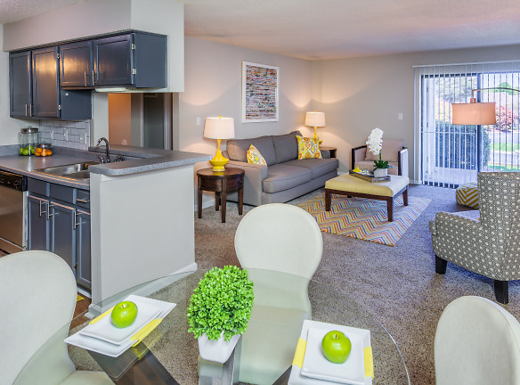 Recently Renovated Cypress Apartment