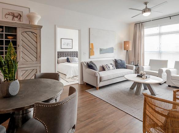 The Heron Downtown Apartments Baton Rouge, LA - Apartments ...