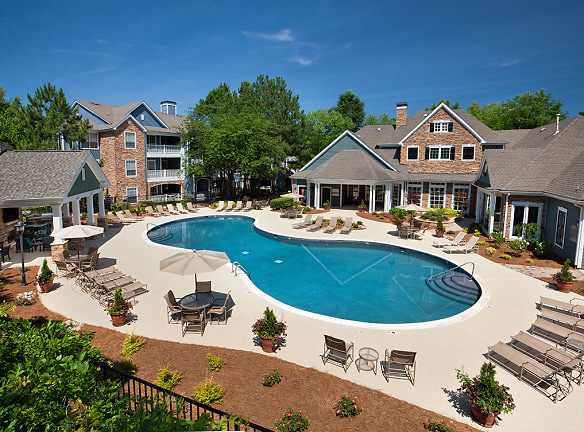 Resort-inspired Pool and Sundeck
